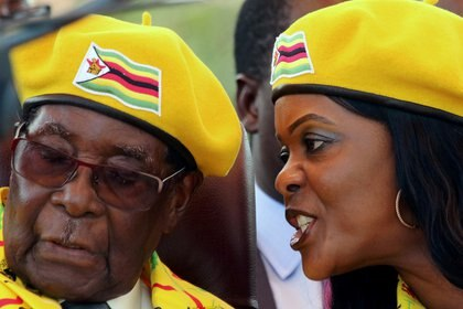 Grace Mugabe, viuda del ex dictador, figura como el único cónyuge sobreviviente (REUTERS/Philimon Bulawayo/File Photo)