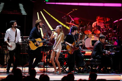 Members of the band Morat, Cami and Pablo Lopez perform during the 2019 Latin Recording Academy's Person of the Year Gala honoring Colombian musician Juanes at the MGM Grand hotel-casino, in Las Vegas, Nevada, U.S. November 13, 2019. REUTERS/Steve Marcus