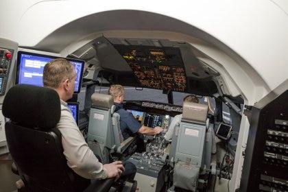 Un simulador de entrenamiento del Boeing 737 MAX de Icelandair en el TRU Flight Training Iceland en Reykjavik, Islandia, el 17 de enero de 2020. Foto tomada el 17 de enero de 2020. REUTERS/Geirix