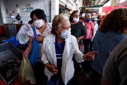 La fase 2 de la epidemia de coronavirus comenzó el pasado 24 de marzo (Foto: José Méndez/ EFE)