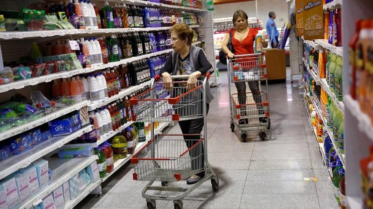 La inflación anual se sitúa por encima de 45%. (Reuters)