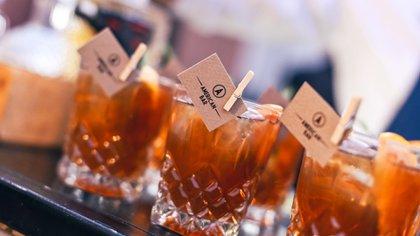 American Bar es una empresa en San Juan que se dedica a ofrecer un servicio de barra de bebidas para eventos sociales y corporativos