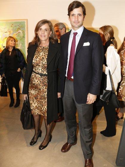 Silvia Saravia de Neuss y su hijo Juan Neuss