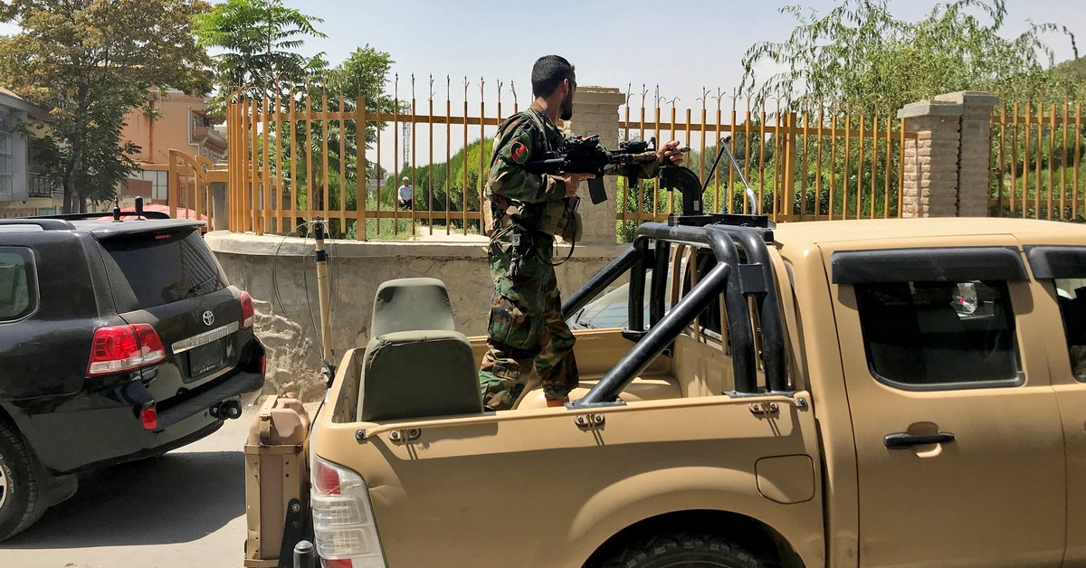 """El gobierno de Afganistán confirmó que negocia con los talibanes una """"transferencia  pacífica del poder"""" - Infobae"""