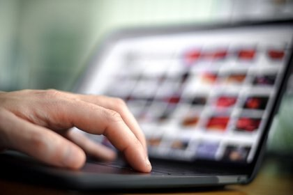 La grabación de pantalla puede ser de utilidad para compartir tutoriales en el marco del trabajo remoto (EFE/Archivo)