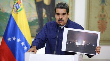 En una depresión económica que ha pulverizado su moneda, el bolívar venezolano acumula una inflación de un millón por ciento anual (Palacio de Miraflores via REUTERS)