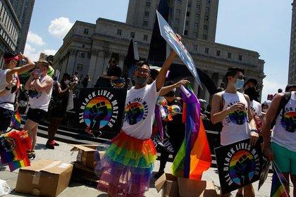 Manifestación de la comunidad LGBTQ en medio de las protestas Black Lives Matter en Nueva York.