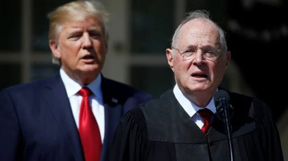 Donald Trump y el juez Anthony Kennedy (Reuters)