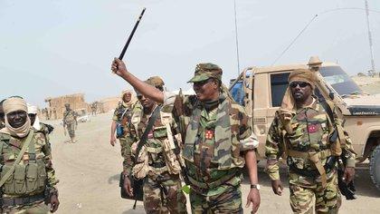 Quién fue Idriss Déby, el presidente que gobernó Chad 31 años y murió con las botas puestas combatiendo contra los rebeldes
