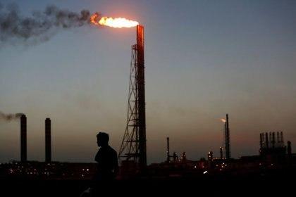 Foto de archivo ilustrativa de la refinería Cardón en Venezuela.  Jul 22, 2016.  REUTERS/Carlos Jasso