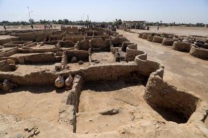 Una vista de la ciudad faraónica que fue descubierta esta semana cerca de Luxor, Egipto. REUTERS/Amr Abdallah Dalsh