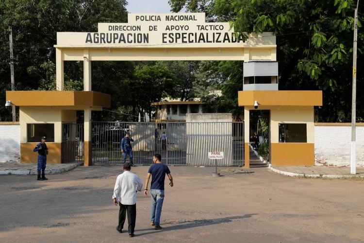 La Agrupación Especializada, sede de la policía paraguaya donde está alojado Ronaldinho (REUTERS/Jorge Adorno)