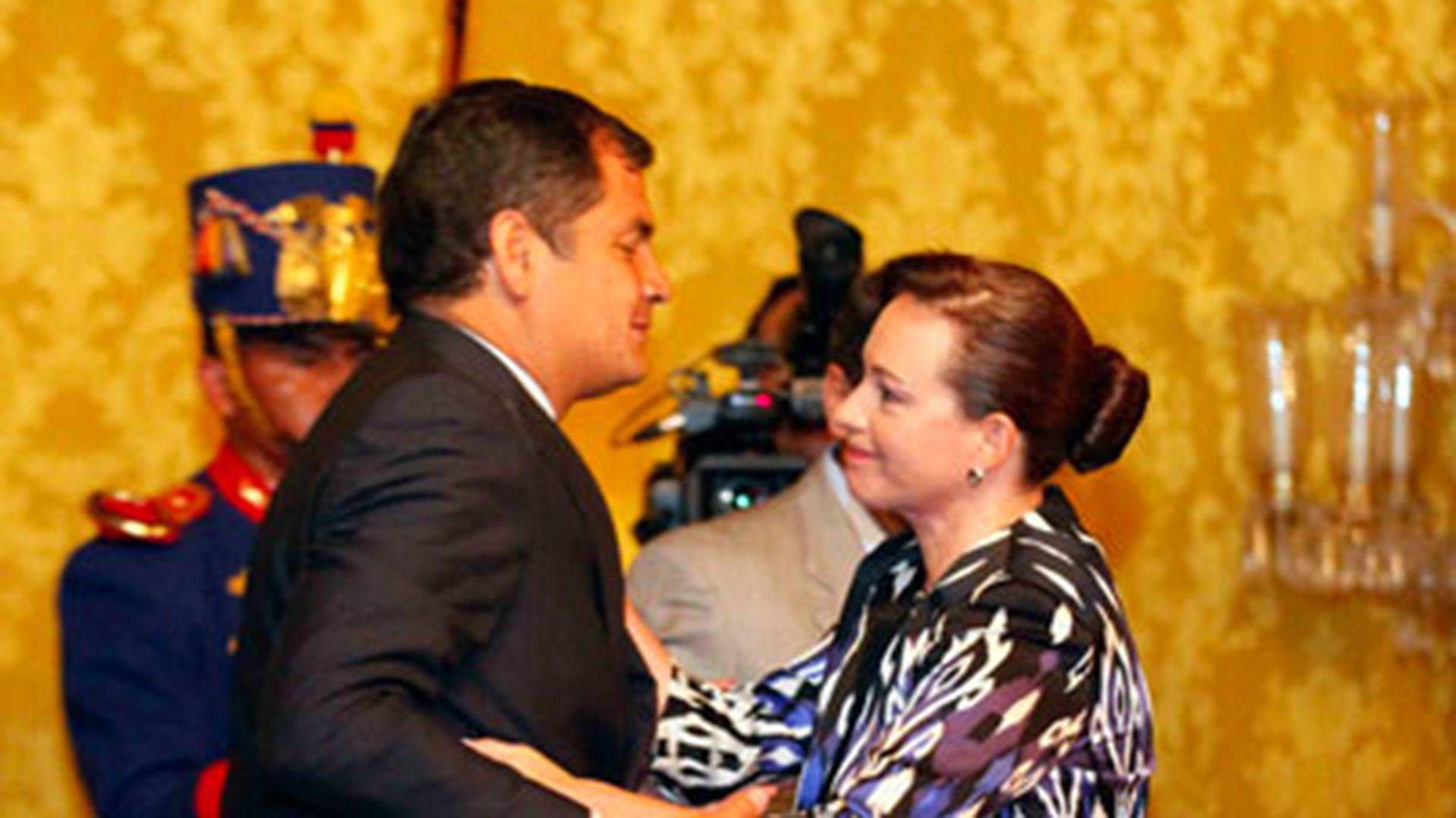 María Fernanda Espinosa y Rafael Correa (Ministerio de Defensa Nacional de Ecuador)