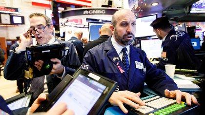 Hoy en día se observan ciertas anomalías en el mercado que podrían dar indicios de sobrevaluación y que podrían conducir a burbujas (EFE)