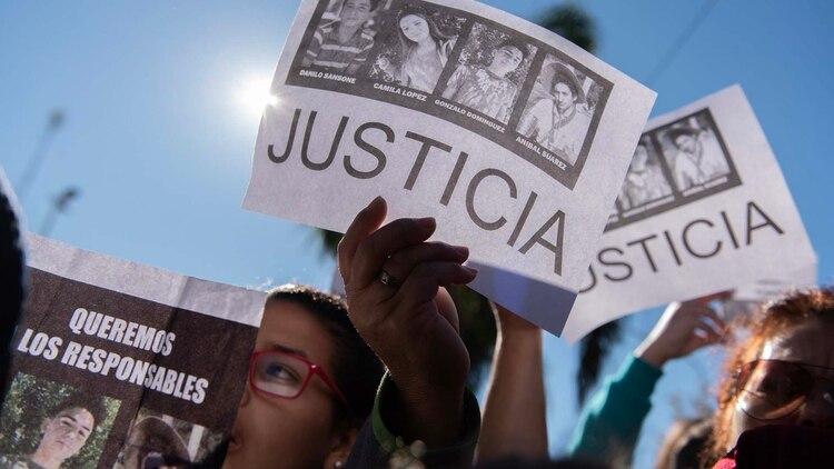 Pedido de Justicia en las calles de San Miguel del Monte (Adrián Escandar)
