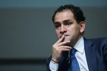 El secretario de Hacienda de México, Arturo Herrera, entregó el Paquete Económico 2021 en la Cámara de Diputados (Foto: Reuters / Luisa Gonzalez)