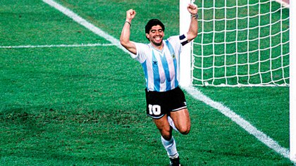 Maradona celebra en la semifinal del Mundial de Italia 90 (Shutterstock)