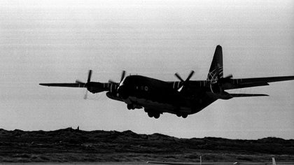 Durante la guerra de Malvinas, el Hércules fue una columna vertebral para el sostenimiento logístico de las tropas. Foto: TELAM.