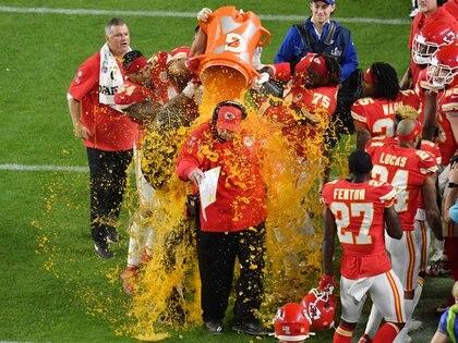 El entrenador Andy Reid fue víctima del típico ritual que padece el entrenador campeón del Super Bowl (USA TODAY Sports)