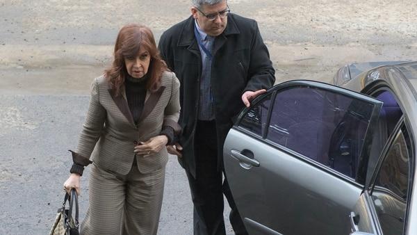 Cristina Kirchner, este lunes, al arribar a los tribunales de Comodoro Py (Foto: Adrián Escándar)