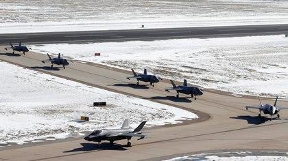 Algunos de los 52 cazas F-35A de la Fuerza Aérea en la Base de la Fuerza Aérea de Hill (Reuters)