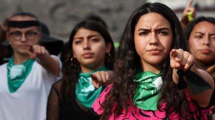 """La convocatoria, que lleva el lema: """"¡el nueve ninguna se mueve!"""", va dirigida a ciudadanas, niñas, activistas, estudiantes, colectivos feministas. (Foto: Cuartoscuro)"""