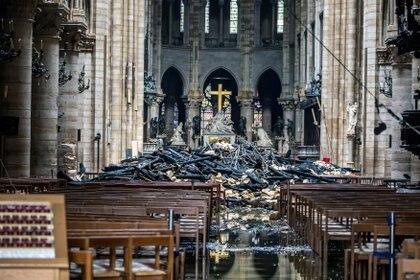 Imágenes del interior de la catedral después del incendio (Foto: Archivo)