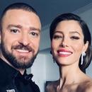 Justin Timberlake lució el pin y su esposa, la actriz Jessica Biel se vistió de negro