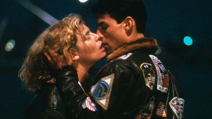 """El beso de Tom Cruise y Kelly McGillis en """"Top Gun"""""""