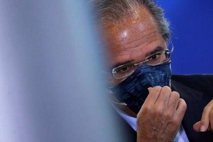 Foto del miércoles del ministro de Economía de Brasil, Paulo Guedes, en un acto en el Palacio de Planalto, en Brasilia. Jun 17, 2020. REUTERS/Adriano Machado