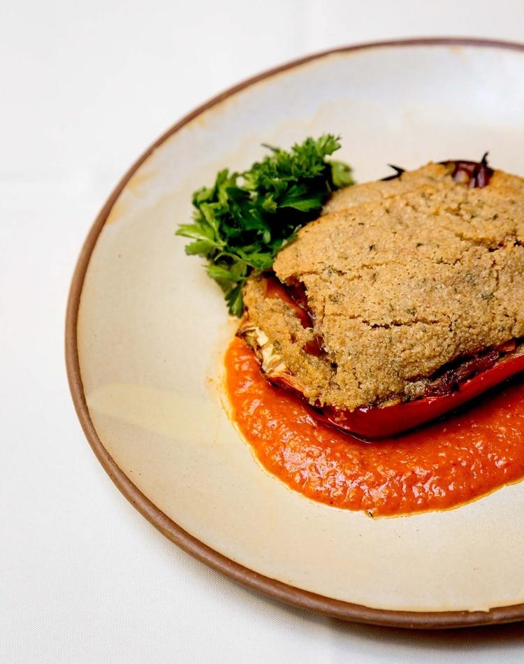 Pimiento asado relleno de carne de buey (Amalur)