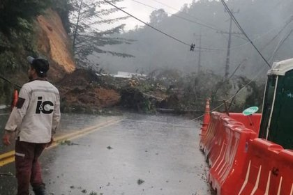 Deslizamiento de tierra en Antioquia, el pasado lunes 01 de marzo, el cual dejó a una persona muerta, y otras 6 más heridas. - Twitter @DagranAntioquia.