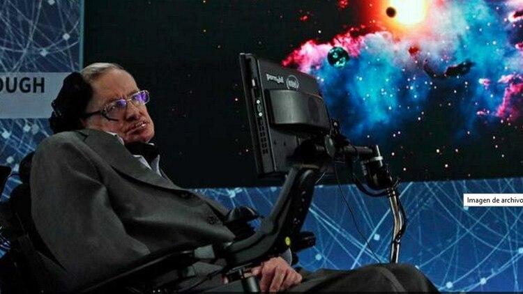 Stephen Hawking pidió a los países avanzar en los planes de colonizar otros mundos