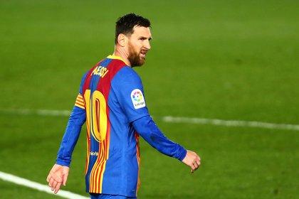 Leo Messi no pudo ayudar al Barcelona en el clásico contra el Real Madrid (Reuters)