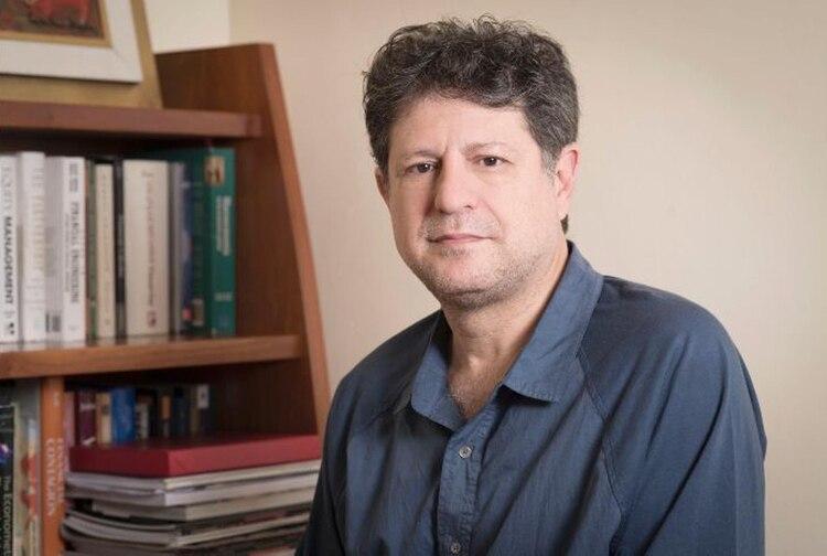 Eduardo Levy Yeyati advirtió que la cuarentena y la falta de políticas de mediano plazo profundizarán la crisis laboral en el país, en un escenario que tenderá a afirmar un régimen mixto de casa y oficina