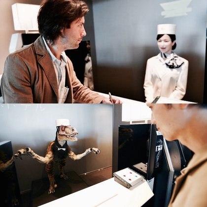 Los recién llegados son sorprendidos por una variedad de empleados robot, desde modelos humanoides hasta simpáticos dinosaurios de aspecto intimidante
