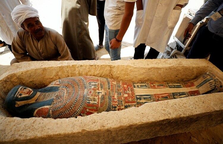 Un sarcófago descubierto cerca de la Pirámide del Rey Amenemhat II(Reuters)
