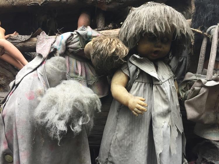 La niña conservó una parte de su muñeca que despierta el temor de los visitantes (Foto: archivo)