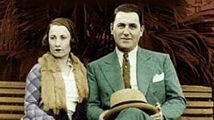 """Juan Domingo Perón y su primera esposa Aurelia Gabriela """"Potota"""" Tizón se casaron el 5 de enero 1929 en la Iglesia castrense Nuestra Señora de Luján"""