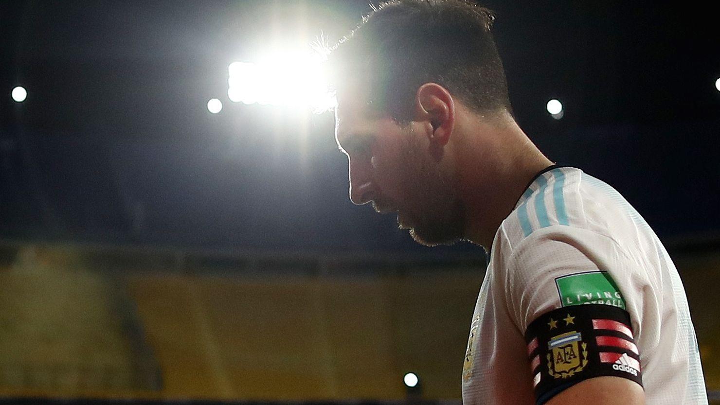 Ocampos no es ideal para el juego corto de Messi (Foto: Reuters)