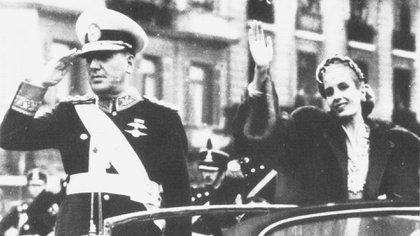 Juan Domingo Perón y Eva Duarte,ya visiblemente demacrada como consecuencia de su enfermedad (Granger/Shutterstock)