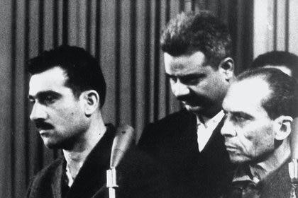 Eli Cohen, en el rápido juicio en el que fue condenado a la horca (AFP/Getty)