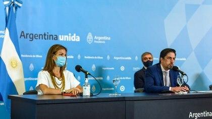 Los ministros de Educación Soledad Acuña y Nicolás Trotta