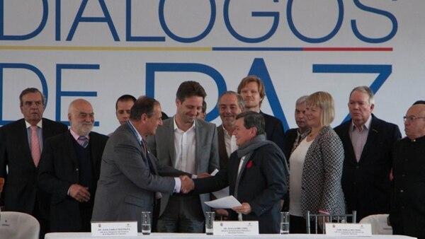 El gobierno colombiano y el grupo terrorista ELN inician el cuarto ciclo de negociaciones, con el alto el fuego en vigor