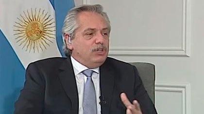 Alberto Fernández durante la entrevista con C5N