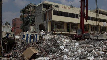 Autoridades propondrán el embargo del Colegio Rébsamen para garantizar la reparación del daño a familiares de las víctimas (Foto: Galo Cañas / Cuartoscuro)