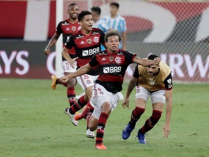Willian Arao, de héroe por empatar en el tercer minuto de adición, a villano por haber desperdiciado su penal en la definición (Antonio Lacerda/Pool via REUTERS)