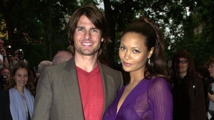 Thandie Newton con Tom Cruise en la premiere de la película en Londres en 2000 (The Grosby Group)