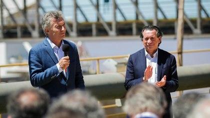 El Jefe de Estado, Mauricio Macri, acompañado por el ministro de Producción y Trabajo de la Nación, Dante Sica, en el anuncio sobre adelantos patronales