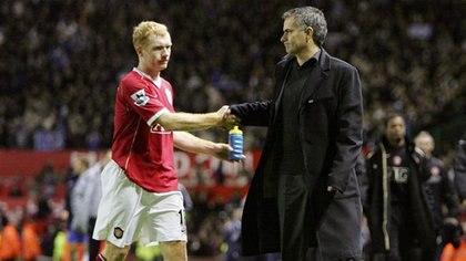 Scholes y Mourinho, cuando el colorado aún era futbolista (se retiró en 2013)